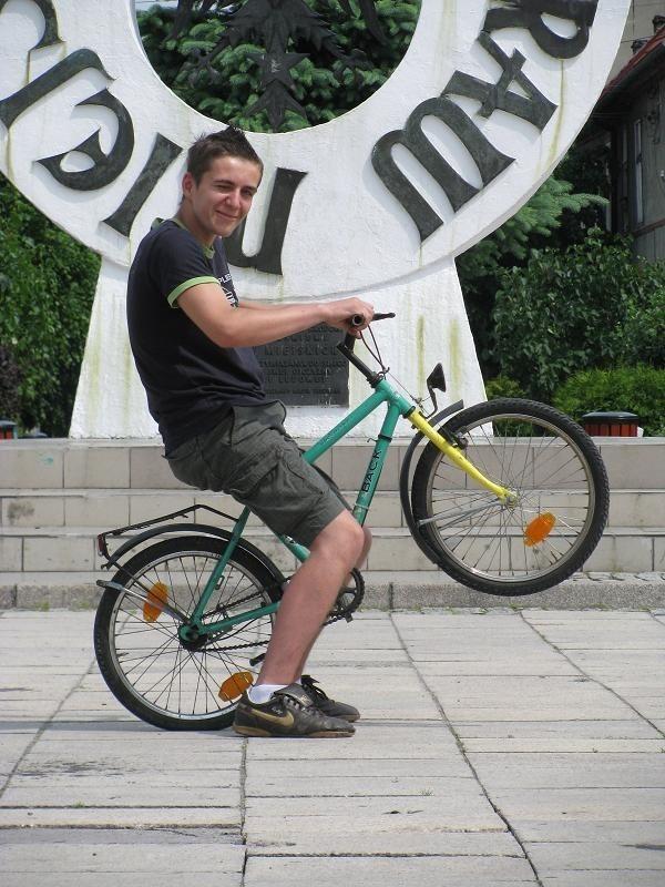 Dorian Rączkowiak z Drezdenka uważa, że w mieście powinien powstać skatepark, bo młodym brakuje rozrywki.
