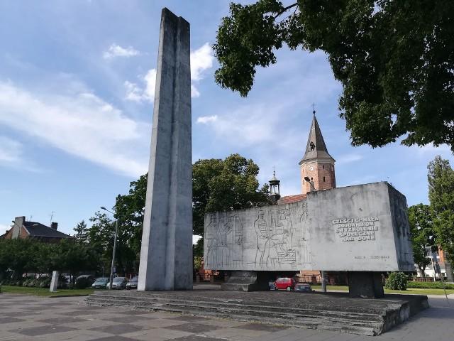 Stary Rynek wraz z pomnikiem Bojowników o Wyzwolenie Społeczne i Narodowe