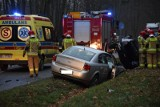 Wypadek pod Skierniewicami. Zderzenie 3 samochodów na drodze Skierniewice - Maków [ZDJĘCIA] 13.12.2020