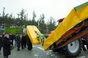 Zaproszeni goście mieli okazję, aby obejrzeć ciekawy, nowoczesny sprzęt rolniczy wyprodukowany w Pronarze