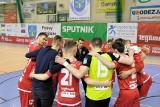 Red Dragons Pniewy to zespół z charakterem. Znowu wrócili z dalekiej podróży w meczu z Piastem i pozostają w grze o Puchar Polski w Futsalu