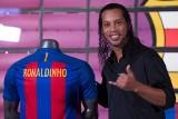 """Aleksandr Hleb szokuje: """"Zdarzało się, że Ronaldinho i Deco przychodzili na treningi pijani. Barcelona ich sprzedała, żeby ratować Messiego"""""""