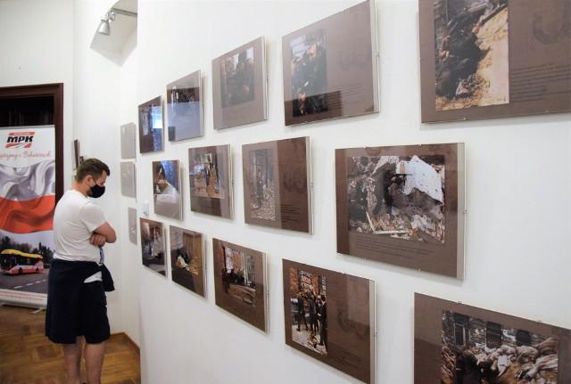 Warto odwiedzić Muzeum im. Jana Kasprowicza w Inowrocławiu i obejrzeć wystawę oryginalnych zdjęć z Powstania Warszawskiego. Fotografie poddane zostały koloryzacji