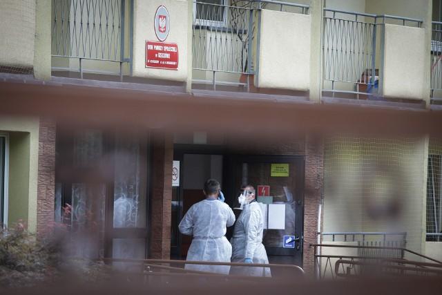 W Domu Pomocy Społecznej przy ul. Sucharskiego w Rzeszowie potwierdzono 66 przypadków koronawirusa.