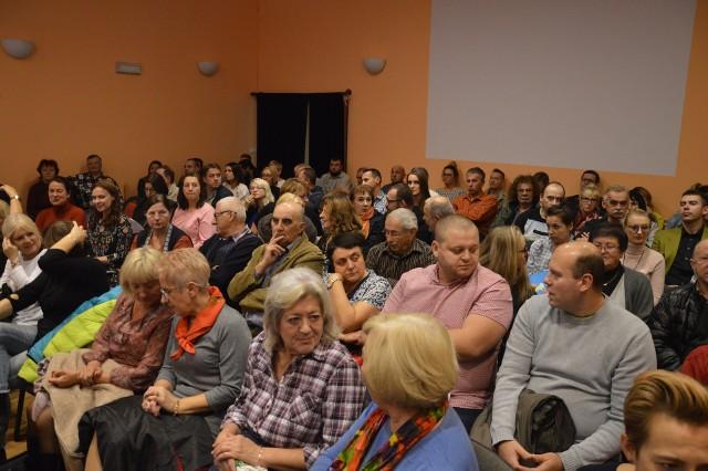 W spotkaniu w Zaborze wzięli udział urzędnicy, władze gminy, politycy i mieszkańcy...