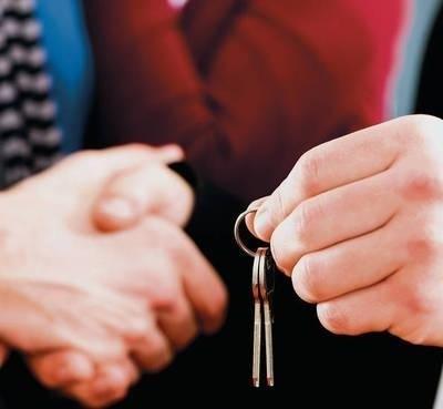 Z każdym rokiem będzie przybywać mieszkań i domów oferowanych na wynajem. Fot. Ingimage