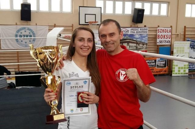 Iwona Nieroda z trenerem Jerzym Pilarzem.