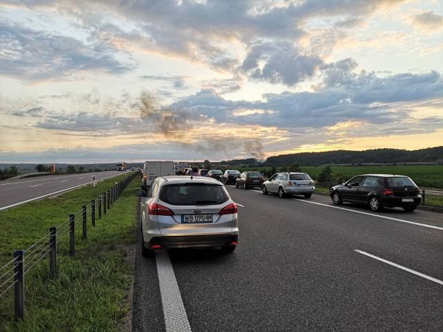 Pożar ciężarówki na autostradzie A1 pod Grudziądzem. W ogniu stał cały ciągnik siodłowy>>>