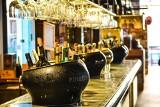 Chorzów: właściciele restauracji i pubów będą zwolnieni z opłat za sprzedaż alkoholu. Tak miasto pomaga przedsiębiorcom w czasie epidemii