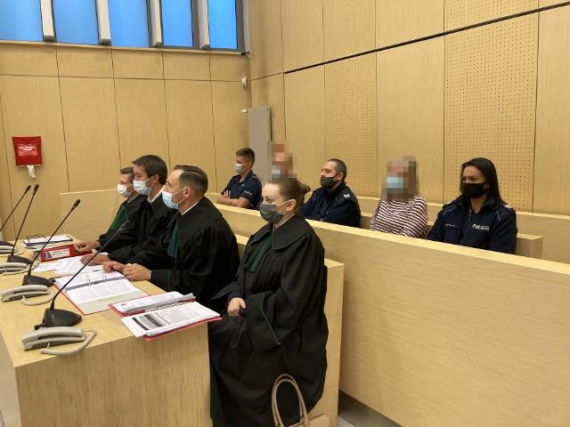 Rozpoczął się proces apelacyjny w sprawie afery mieszkaniowej. Na ławie oskarżonych zasiedli m.in. poznańska notariusz Violetta D. i doradca finansowy Mariusz T.