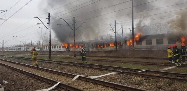 Pożar wagonów kolejowych w Krakowie, do którego doszło 1 kwietnia