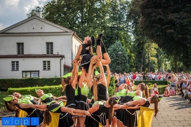 Epidemia koronawirusa pokrzyżowała plany, ale instruktorki zespołu postanowiły przesłać nagrania najlepszych choreografii organizatorom mistrzostw świata mażoretek, odbywającym się w systemie online. Przesłane choreografie oceniane były przez międzynarodowe 9-osobowe grono sędziowskie.