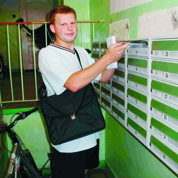 - Teraz pracuje się dużo szybciej i wygodniej - mówi Arkadiusz Samko, kurier z Urzędu Miasta w Ełku