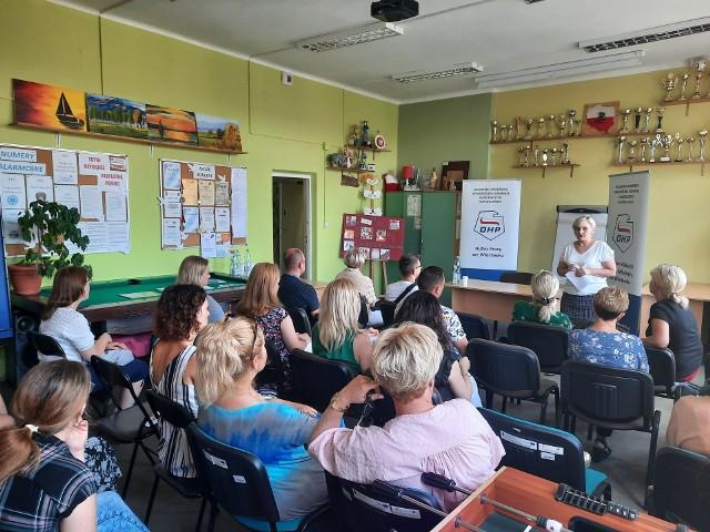 Powitanie gości przez Halinę Łukaszewską, Komendant 2-5 HP we Włocławku