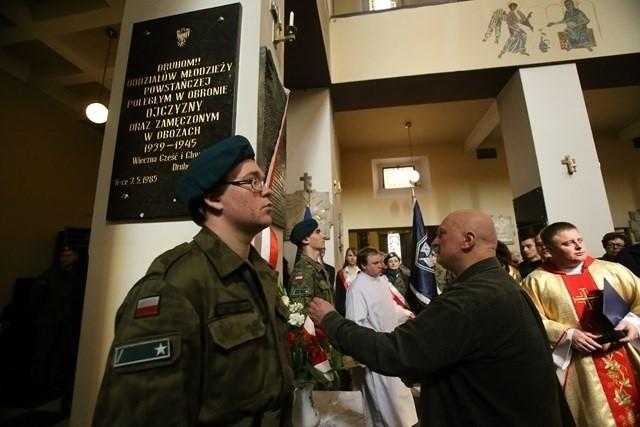 W kościele garnizonowym w Katowicach odsłonięto tablicę poświęconą heroicznemu dowódcy obrony Wizny we wrześniu 1939 roku