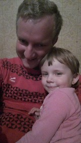 Nie żyje 2-letnia dziewczynka z Kiełpinka, zmarła w szpitalu. Wcześniej została z niego odesłana, lekarka stwierdziła ospę.