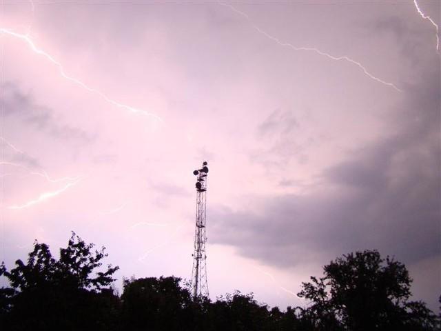 Burza nad Brzegiem. Zdjecia przyslane przez internaute Sebastiana na nto24@nto.pl.