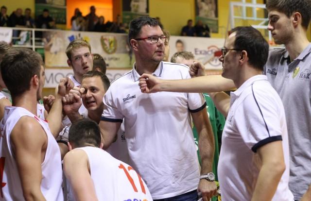 Dominik Tomczyk (w środku) mógł być zadowolony z postawy Śląska