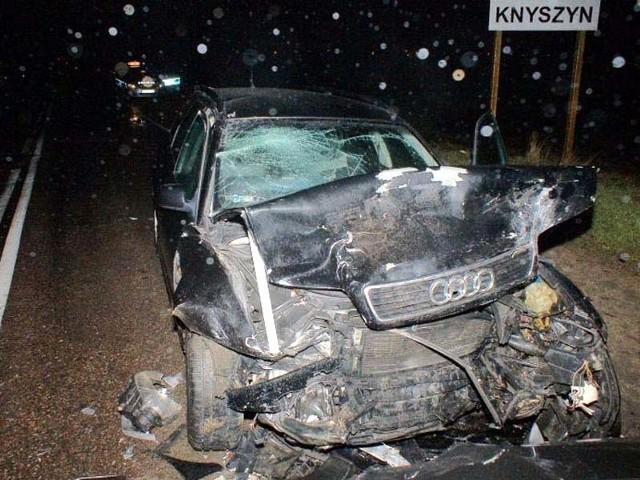 Samochody zderzyły się czołowo na wjeździe do Knyszyna