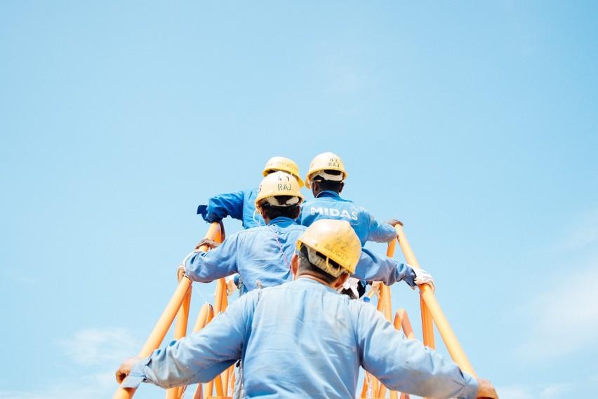 TOP16 zawodów, w których szuka się pracowników. Zobacz,...