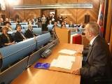 Komisja rewizyjna kończy. Mieszkanie Krzystka i nagrody dla urzędników