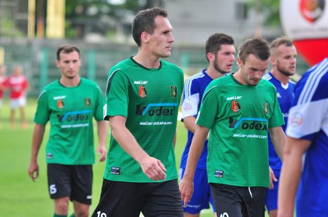 Piłkarze Stali Stalowa Wola nie mieli powodów do radości po meczu z Radomiakiem Radom.