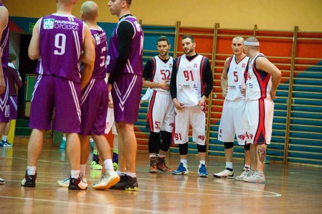 Zawodnicy MKS-u Otmuchów przegrali różnicą 20 punktów.