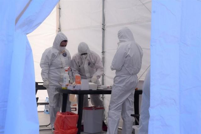 Ostatniej doby wykonano ponad 102,5 tysiąca testów na COVID-19.