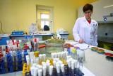Sanepid w Poznaniu nie może badać niebezpiecznych bakterii. Dlaczego?