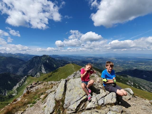 Letnie wyjazdy dla dzieci i młodzieży powinny odbyć się planowo. Kuratorium daje zielone światło