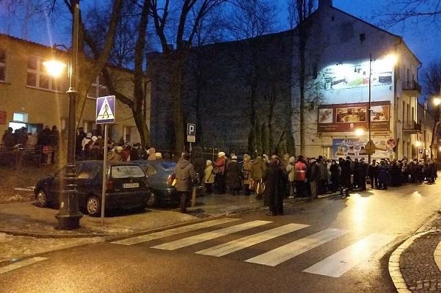 Niektórzy czekali w kolejce od 1 stycznia wieczorem - informowała nasza Internautka