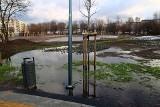 Poznań: Park Rataje również zalany i tonie w wodzie! Co na to urzędnicy, którzy nadzorowali inwestycję? [ZDJĘCIA]