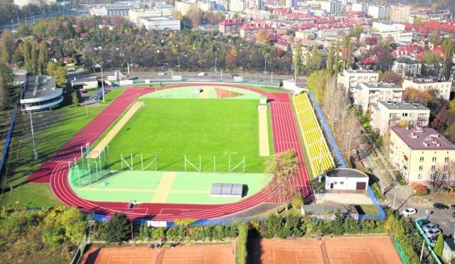 Stadion AWF, dawniej Pogoni z 1925 roku, wyremontowano za 3 mln zł. Dawne korty Pogoni, Stali i Baildonu mają być zamknięte
