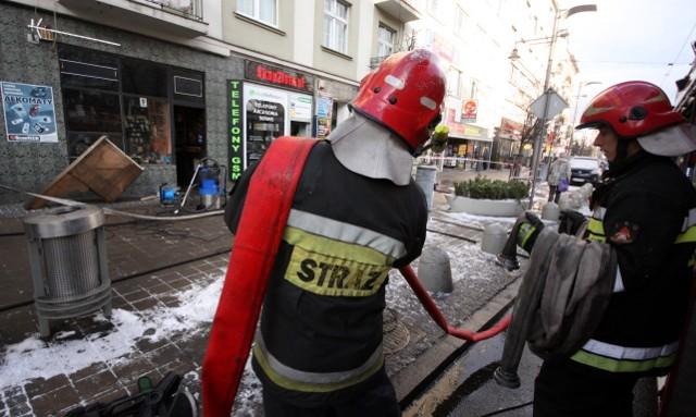 Pożar przy ul. Świętojańskiej w Gdyni