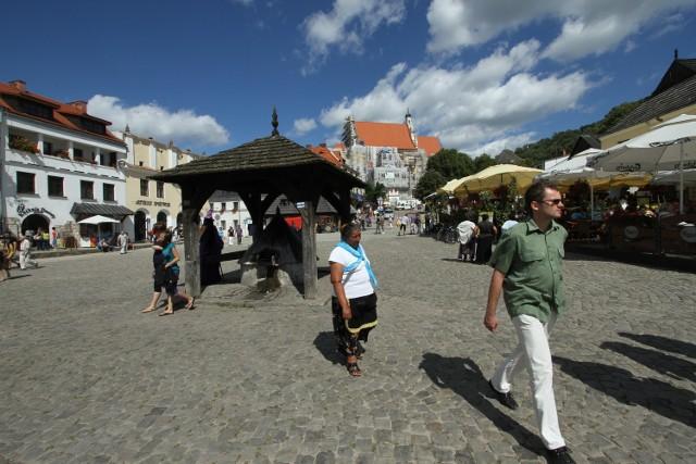 Top 20 najpopularniejszych miejsc na urlopKazimierz Dolny. To jedyne miasto z naszego regionu, które znalazło się wśród 20 najpopularniejszych miejscowości wakacyjnych.