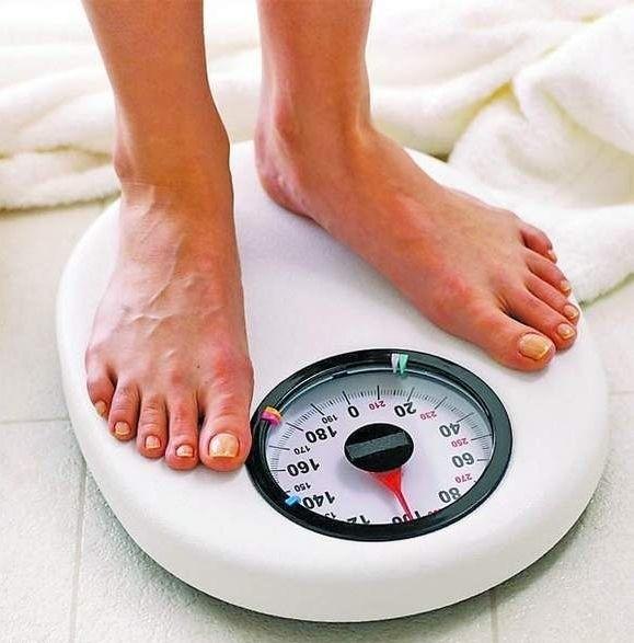 Jeśli twoja waga przekracza o 10-20 procent prawidłową, to znaczy że już cierpisz na nadwagę.