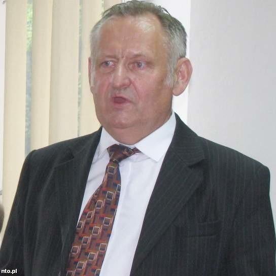 Bronisław Szczeciński mówi, że będą potrzebne pieniądze na spłatę zadłużenia.