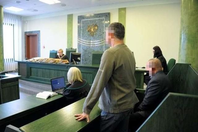 Został ostatni świadek w procesie policjantów oskarżonych o podrzucenie marihuany