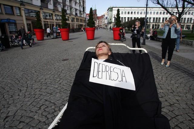 Koronawirus w Polsce: Te dolegliwości mogą świadczyć o depresji spowodowanej pandemią COVID-19. Sprawdź, czy masz podobne!