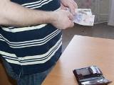 Złodzieje ukradli z domu pieniądze