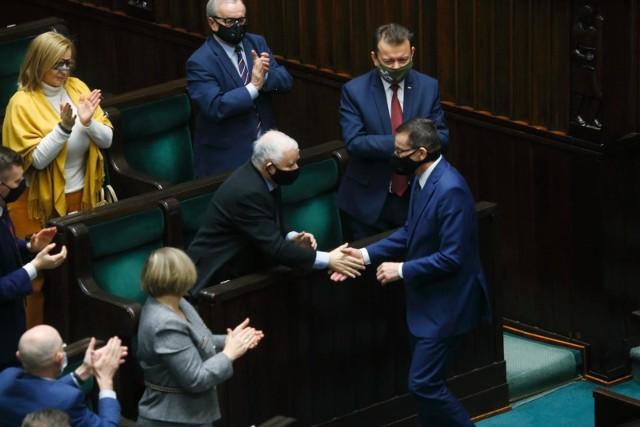 - Myślimy już o przyszłości, dlatego przygotowaliśmy kompleksowy program- tłumaczy Jarosław Kaczyński.