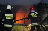 Poznań: Pożar na Winogradach. Palą się baraki przy ul. Przełajowej