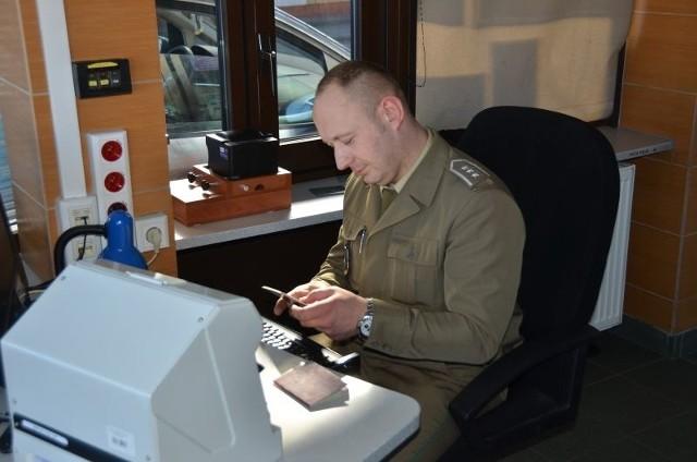 W drogowym przejściu granicznym w Kuźnicy do kontroli granicznej na wyjazd z Polski zgłosił się obywatel Białorusi. Był ścigany przez polski sąd.