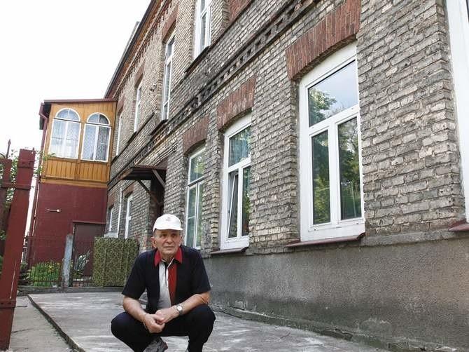 Józef Komorowski, jeden z właścicieli kamienicy przy ul....