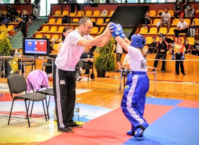 W Lesznie odbyły się mistrzostwa Polski juniorów w kick boxingu, w formule pointfighting i light contact