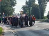 Z Sandomierza wyruszyła piesza pielgrzymka do Sanktuarium Matki Boskiej Bolesnej w Sulisławicach [ZDJĘCIA]
