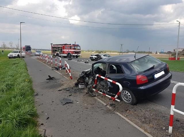 21-letnia kobieta została ranna w wypadku, do którego doszło w środę po południu w Troszczynie, między Grodziskiem Wielkopolskim i Opalenicą.