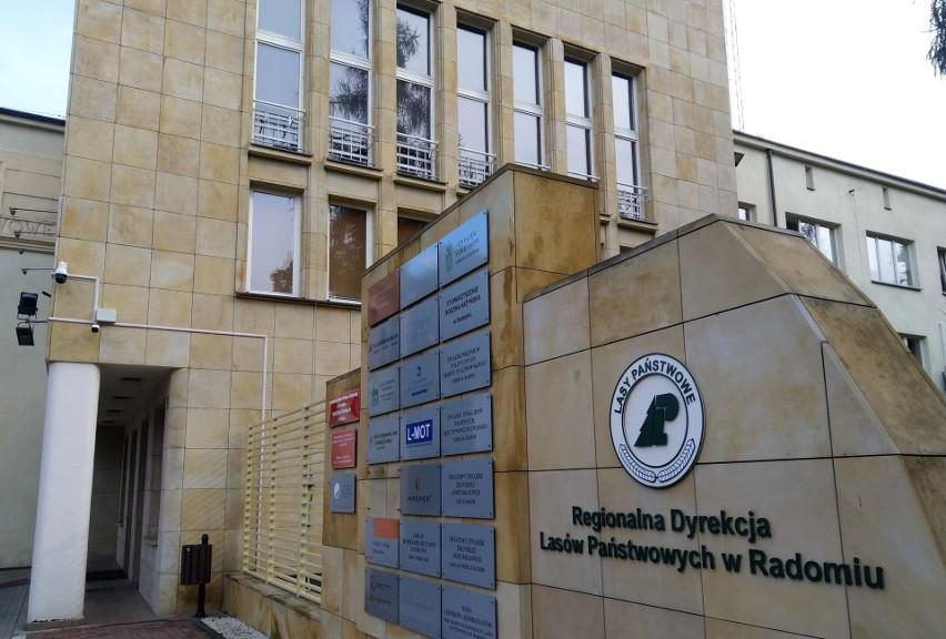 Dyrekcja regionalna Lasów Państwowych w Radomiu, według zapewnień, pracuje normalnie.