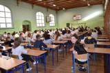 Dzisiaj egzaminy gimnazjalne w Świebodzinie odbyły się. Czy członkowie komisji stawią się na nie również jutro?