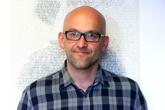 Prof. Piotr Celiński, medioznawca. Zajmuje się nowymi mediami, Internetem, kulturą cyfrową, komunikacją społeczną, kulturą wizualną i popularną.